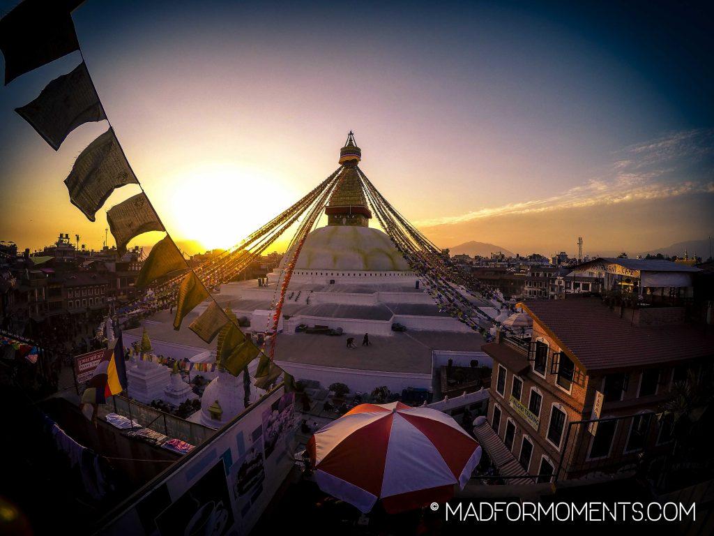 Das Wahrzeichen und gleichzeitig das höchste Gebäude Kathmandus: der Stupa von Bodnath, einem Vorort von Kathmandu