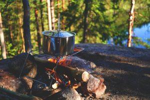 Wasser abkochen Lagerfeuer Grill